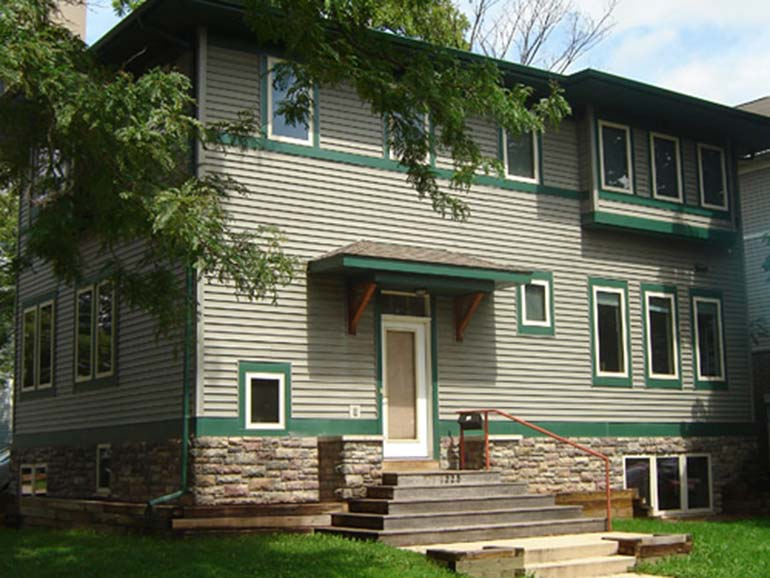 1228 Spring Street – House