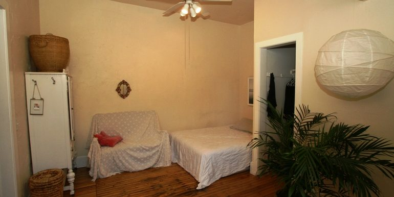 2901atwood2_bdrm2