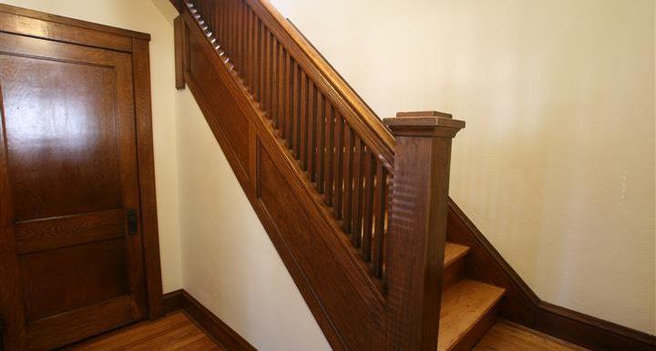 309elmside_stairs