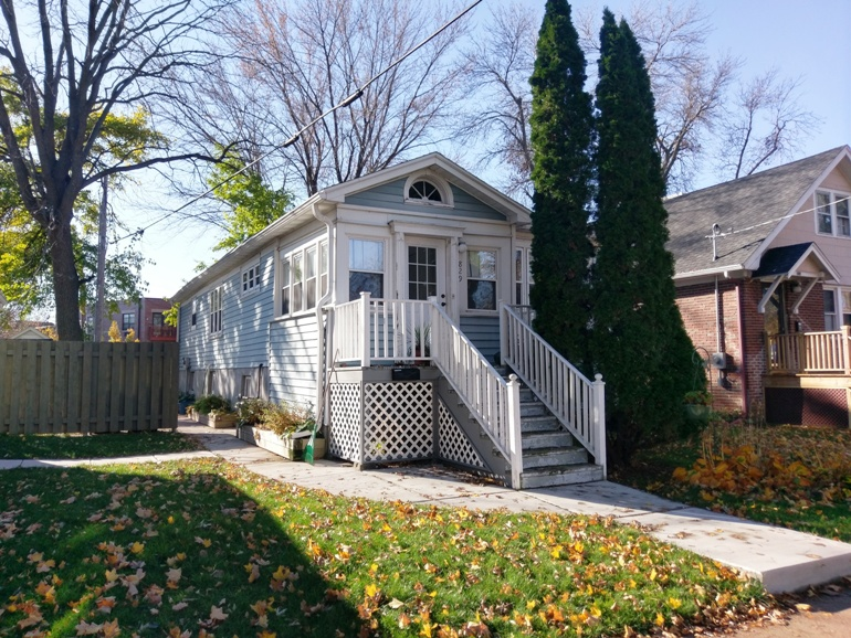 829 Erin Street – House