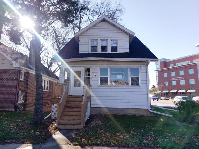 833 Erin Street – House